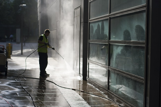 5 Benefits of Power Washing Your Commercial Building