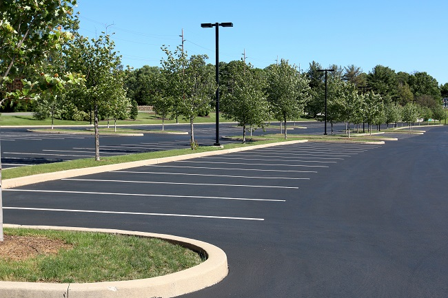Why You Should Pressure Wash Your Commercial Parking Lot