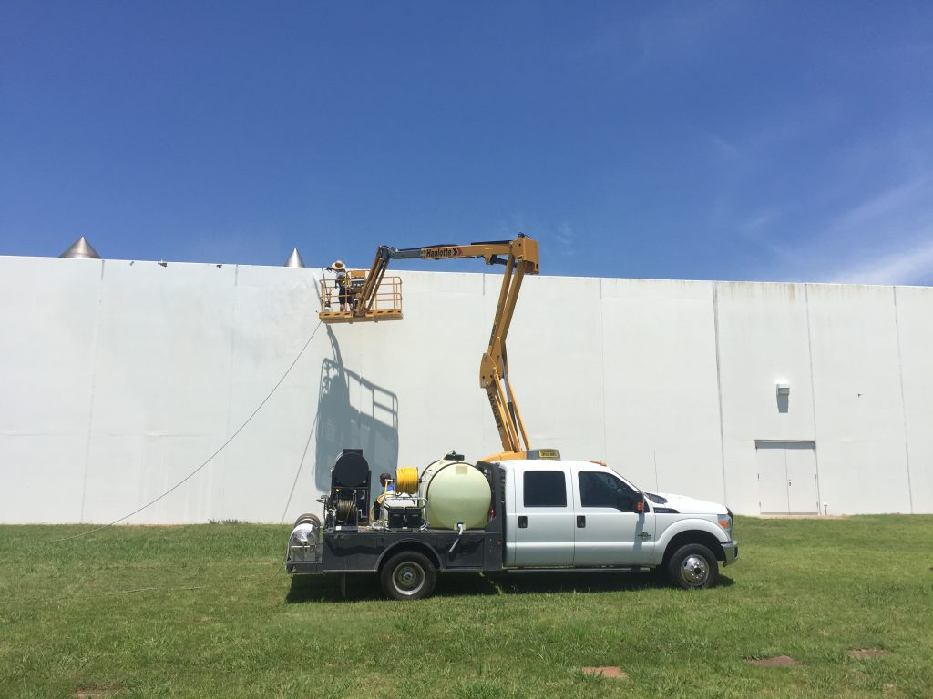 3 Ways to Cut Down on Rust on Your Commercial Building