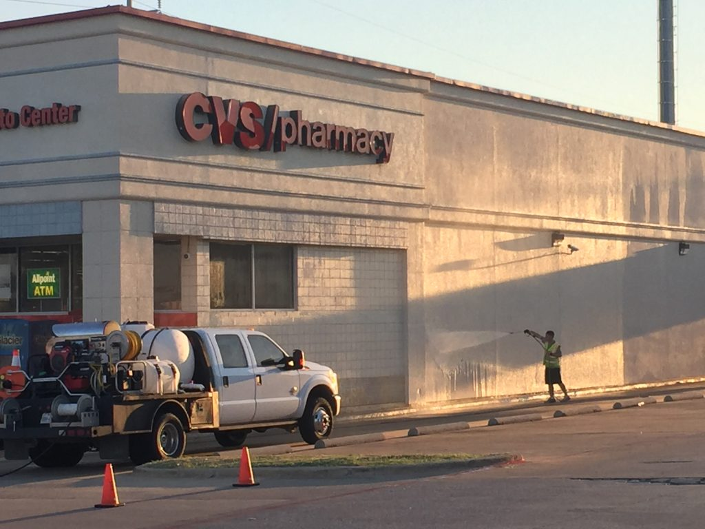 3 Reasons Why Pressure Washing Helps Dallas Businesses Prosper